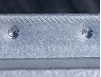 Die Madenschraube wird mit 15-17 Nm festgeschraubt.